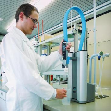 Reinstwassersystem PURELAB flex 2 im Einsatz im Berufskolleg Olsberg